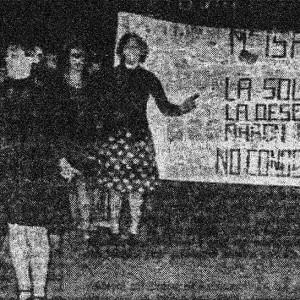 Manifestacion-Pancarta-Putas-Bilbao Fotografía publicada en la edición del 11 de noviembre de 1977 en 'El Correo Español'-J.I Fernández